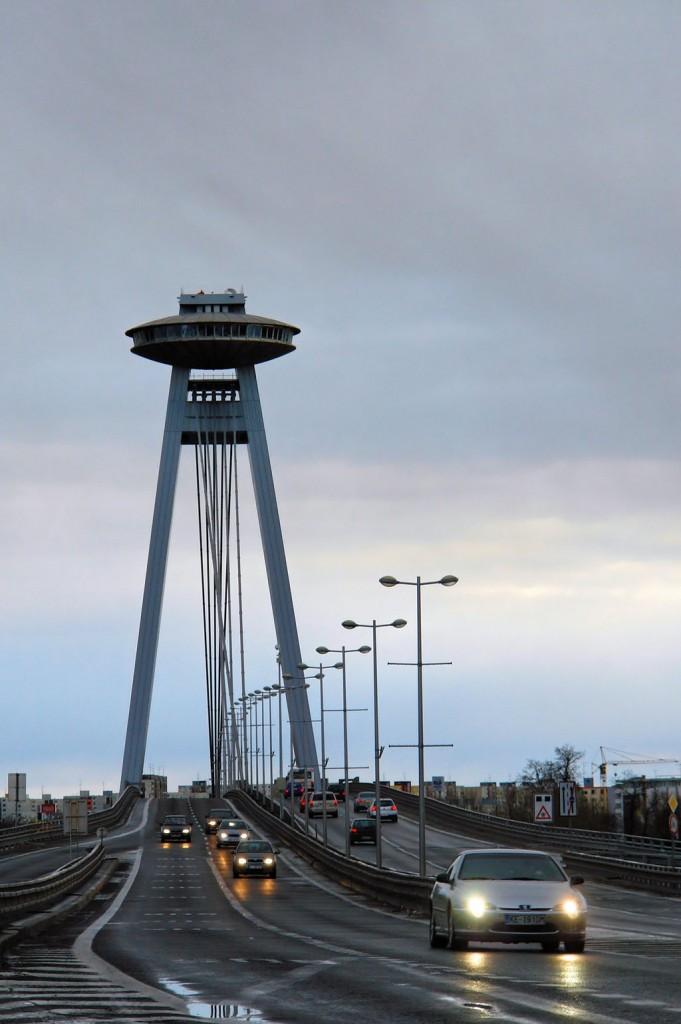 1024px-Bridge_Nový_most_-_Bratislava