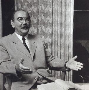 Imre-Nagy1