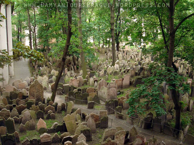 jewish-cemetery-early-xvth-century-prague